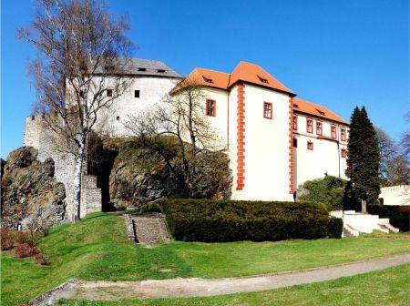 hrad-kamen.jpg